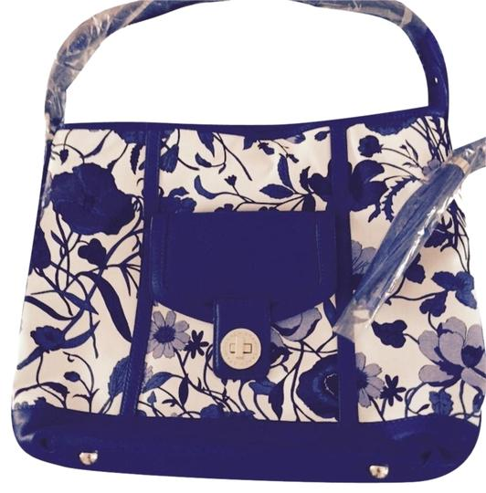 Isaac Mizrahi Back Open Pocket Tassel Detail Leather Trim Dust Cover Tote in BLUE&WHITE