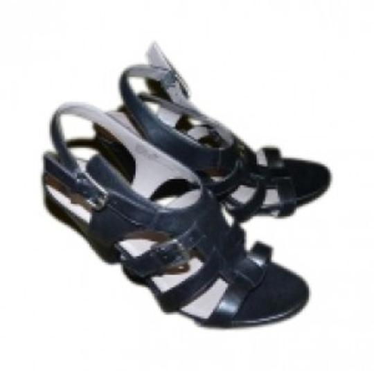 Preload https://item2.tradesy.com/images/me-too-black-strappy-sandals-size-us-9-regular-m-b-36706-0-0.jpg?width=440&height=440