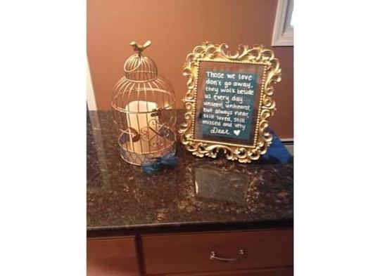 Preload https://item1.tradesy.com/images/gold-teal-memory-candle-with-sign-reception-decoration-367165-0-0.jpg?width=440&height=440