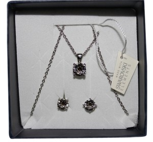 Swarovski Elements Necklace and Earrings Set