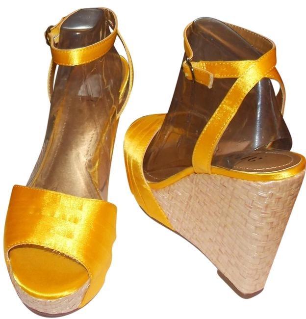 Item - Nikki Wedges Size US 7 Regular (M, B)