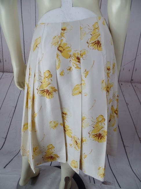 Banana Republic Silk Slub Pleated Summer Side Zip Below Knee Size 0 Lined Skirt Beige Yellow Brown Floral Image 2