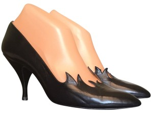 Timothy Hitsman Black Pumps