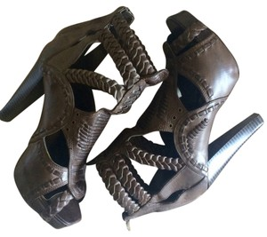 ZIGI NEW YORK Soho Magdalena Gladiator Sandals