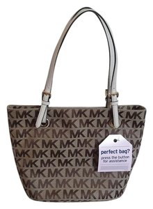 Michael Kors Satchel in white khaki