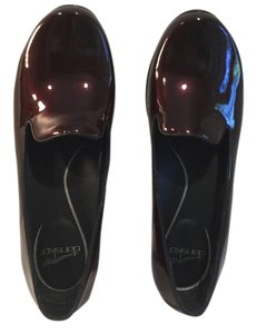Dansko Black cherry Flats