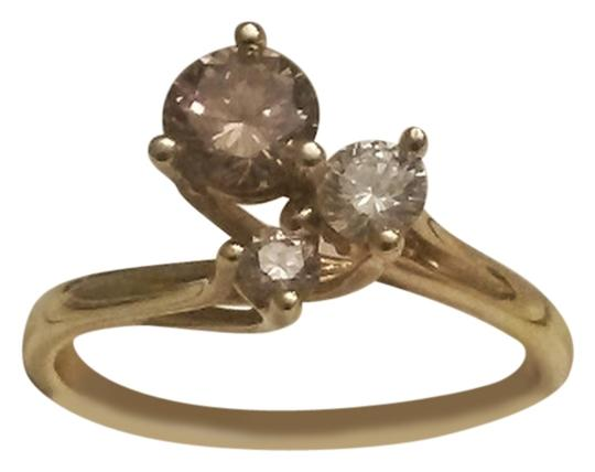 Costello's of Australia 0.50TCW Champagne & White Diamond set in 18k solid Yellow Gold Claw Ring size 5.5
