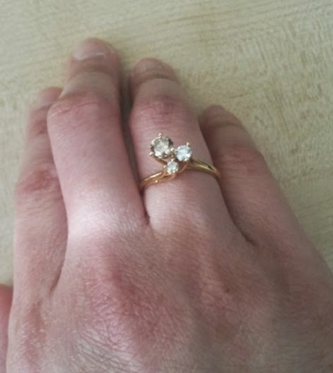 Costello's of Australia 0.50TCW Champagne & White Diamond set in 18k solid Yellow Gold Claw Ring size 5.5 Image 1