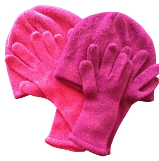 Macy's 2 Sets Of Gloves And Hats May Have Used Once