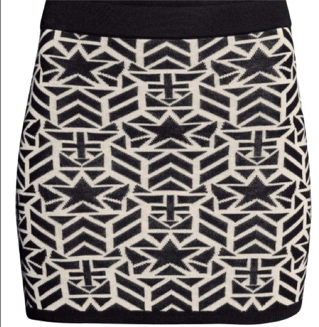 Divided by H&M Graphic Knit Mini Skirt Black & White