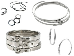 Michael Kors MICHAEL KORS BELT BUCKLE STYLE HOOP EARRINGS, 3 BANGLES & 2 RINGS SET