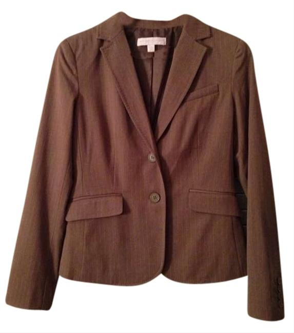 Preload https://img-static.tradesy.com/item/369876/new-york-and-company-beige-jacket-pant-suit-size-4-s-0-1-650-650.jpg