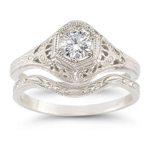 Apples Of Gold Antique-style 1/3 Carat Diamond Wedding Ring Set