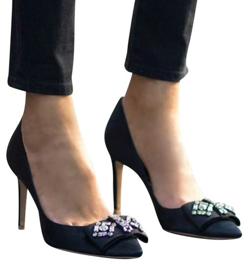 Preload https://item4.tradesy.com/images/tory-burch-black-nwot-aria-with-crystal-bow-pumps-size-us-6-regular-m-b-3701863-0-0.jpg?width=440&height=440