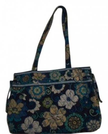 Preload https://img-static.tradesy.com/item/37029/vera-bradley-blue-print-cotton-shoulder-bag-0-0-540-540.jpg