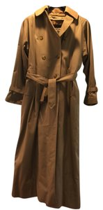 Burberry Classic Trench Trench Coat