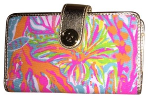 Lilly Pulitzer Wristlet in multi color