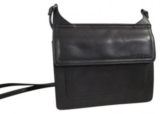 Preload https://item3.tradesy.com/images/fossil-small-flap-closure-black-leather-shoulder-bag-37142-0-0.jpg?width=440&height=440