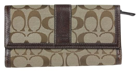 Preload https://item1.tradesy.com/images/coach-brown-signature-brownkhaki-wallet-3714340-0-0.jpg?width=440&height=440
