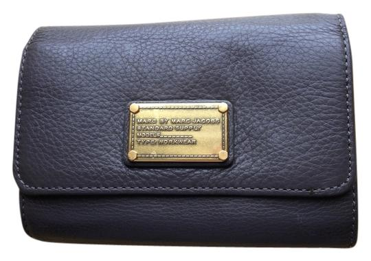 Preload https://item3.tradesy.com/images/marc-by-marc-jacobs-cross-body-bag-grey-3714832-0-0.jpg?width=440&height=440