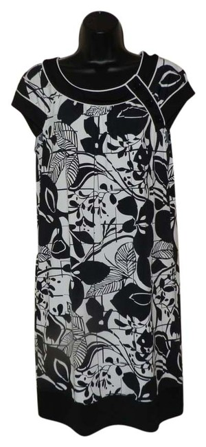 Preload https://item2.tradesy.com/images/bcbgmaxazria-black-and-white-soft-casual-mid-length-workoffice-dress-size-6-s-3715501-0-0.jpg?width=400&height=650