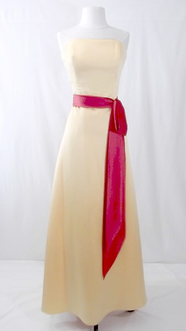 Item - Sunshine / Persimmon Satin Style 6540 Formal Bridesmaid/Mob Dress Size 12 (L)