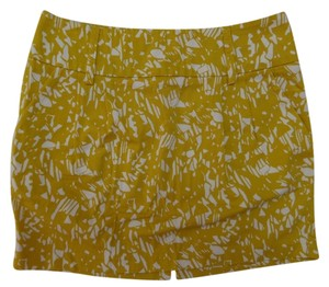 Forever 21 Twenty One Mini Skirt Gold and White Geometric Print