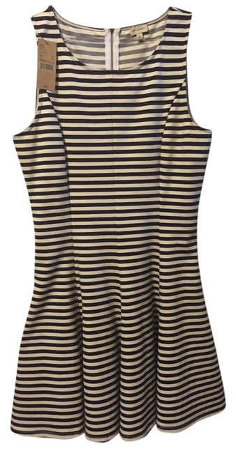 Preload https://img-static.tradesy.com/item/3717049/daniel-cremieux-navy-stripe-perfect-for-spring-nautical-short-casual-dress-size-6-s-0-0-650-650.jpg