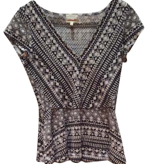 Preload https://item4.tradesy.com/images/anthropologie-night-out-top-size-8-m-3717808-0-0.jpg?width=400&height=650