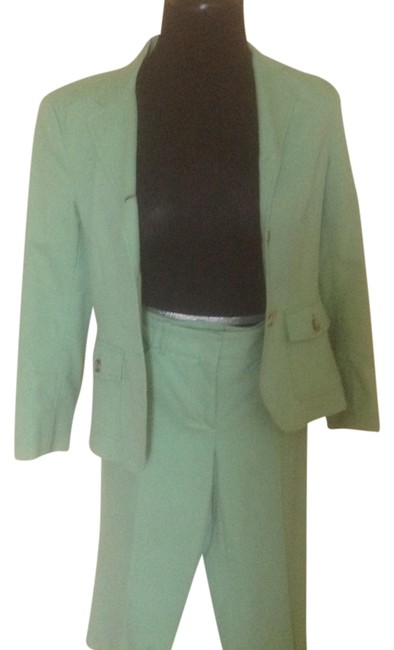 Preload https://item3.tradesy.com/images/theory-light-green-jacket-and-capri-pant-suit-size-6-s-3721537-0-0.jpg?width=400&height=650
