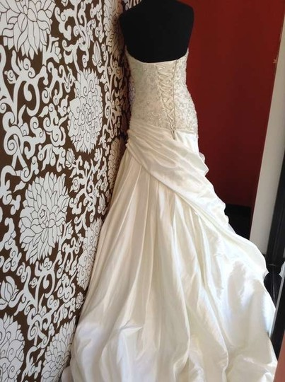 Essense Of Australia D1408 Wedding Dress