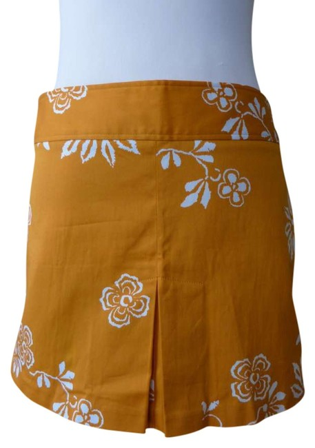 Preload https://item2.tradesy.com/images/sisley-orange-white-floral-cotton-stretch-us-42-italy-miniskirt-size-6-s-28-372271-0-0.jpg?width=400&height=650