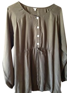 J.Crew Silk Size L Cute Comfortatable Top Olive green