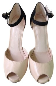 BCBGeneration Black and beige Pumps