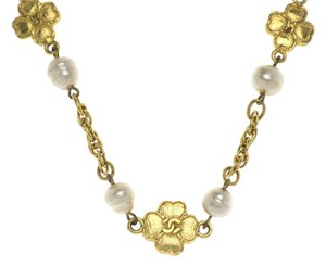 Chanel Vintage Chanel Baroque Pearl Flower Choker Necklace
