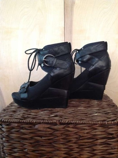 Office London Black Wedges