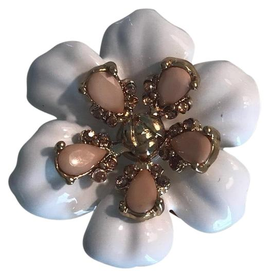 Ann Taylor Cute white flower ring