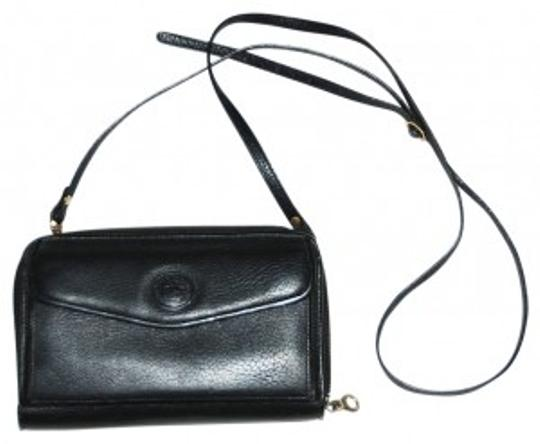 Preload https://img-static.tradesy.com/item/37293/dooney-and-bourke-zip-around-wallet-with-removable-strap-black-pebbled-leather-clutch-0-0-540-540.jpg