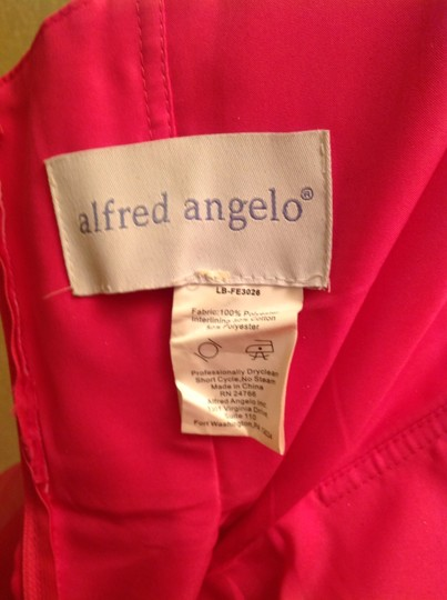 Alfred Angelo Fuschia Polyester 7095 Formal Bridesmaid/Mob Dress Size 2 (XS) Image 2