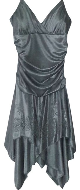 Item - Silver Above Knee Night Out Dress Size 8 (M)