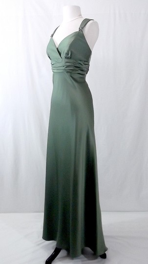 Alfred Angelo Clover Satin Style 7071 Formal Bridesmaid/Mob Dress Size 10 (M)