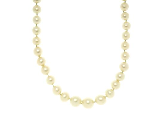 Chanel Chanel Vintage Peal Necklace