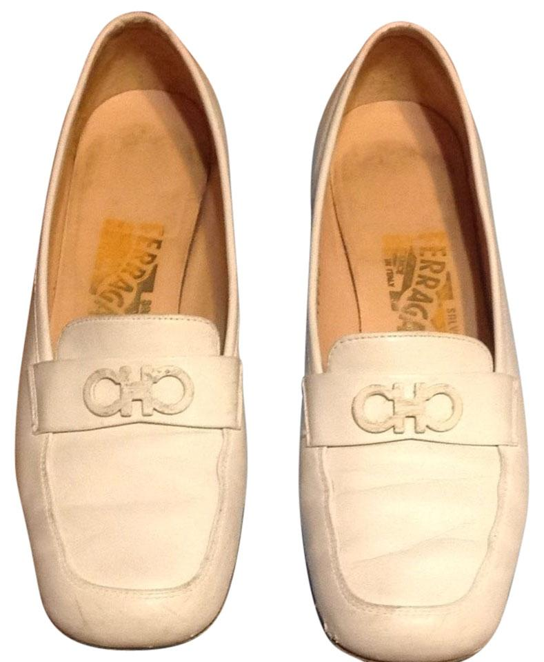 salvatore ferragamo white leather flats flats on sale. Black Bedroom Furniture Sets. Home Design Ideas