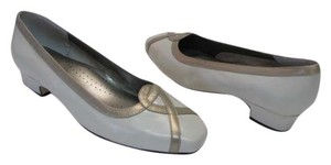 Ros Hommerson New Leather Size 8.50 Extra Wide NEUTRAL, TAN Pumps