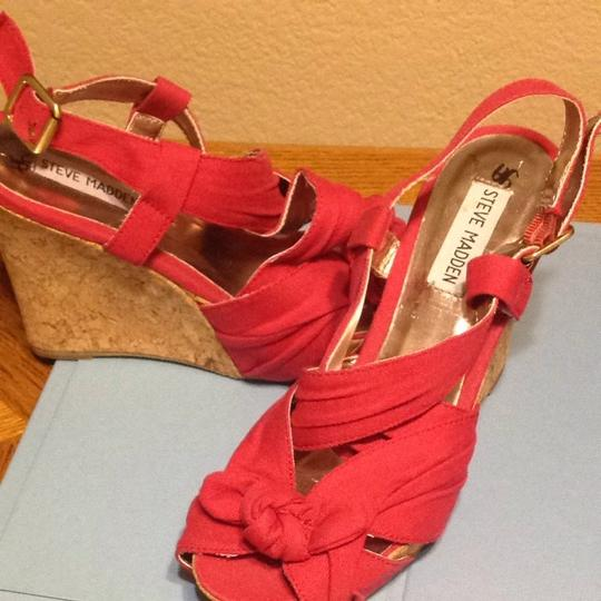Steve Madden Red Canvas Wedges