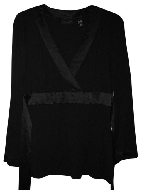 Preload https://item4.tradesy.com/images/new-york-and-company-black-kimono-sleeves-silky-trim-blouse-size-6-s-3733363-0-0.jpg?width=400&height=650