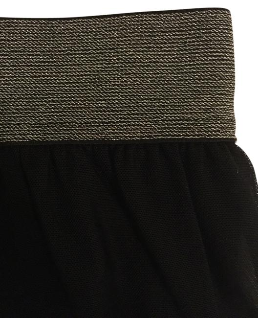 Preload https://item5.tradesy.com/images/divided-by-h-and-m-skirt-black-3734344-0-0.jpg?width=400&height=650