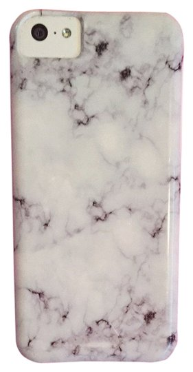 Preload https://item4.tradesy.com/images/society6-marble-iphone-5c-case-3736393-0-0.jpg?width=440&height=440