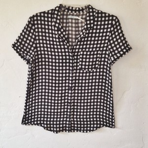 4b60ad574c Kimchi Blue Patterned Button Down Shirt black and white
