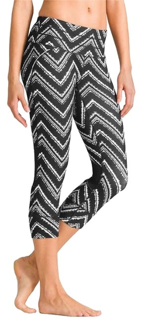 Item - Black and White Zig Zag Activewear Bottoms Size 4 (S, 27)